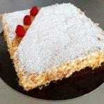 Torta diplomatica: morbido pan di spagna inzuppato tra due strati di sfoglia e crema pasticcera Panificio Pasticceria La Primula Treviglio